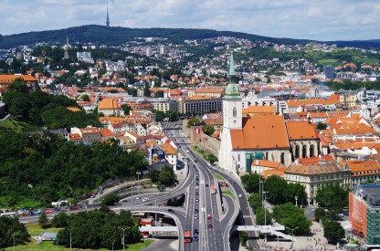 bratislava-1569359_1280-2