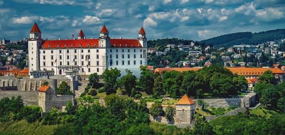 bratislava-1905408_1280-2