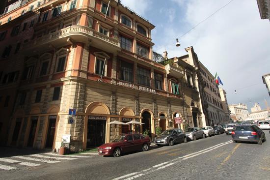 hotel-street-view