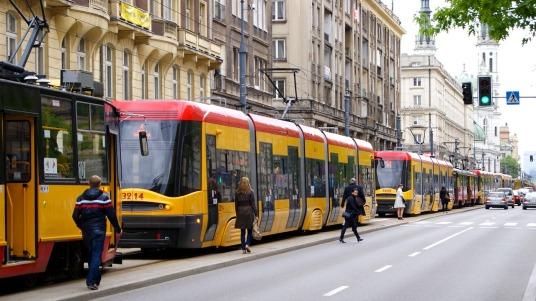 tram-2443383_1280